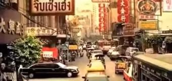 Thánh lái xe khiến 007 cũng toát mồ hôi hột