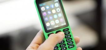 """Điện thoại """"cục gạch"""" vẫn bán chạy ở Việt Nam"""