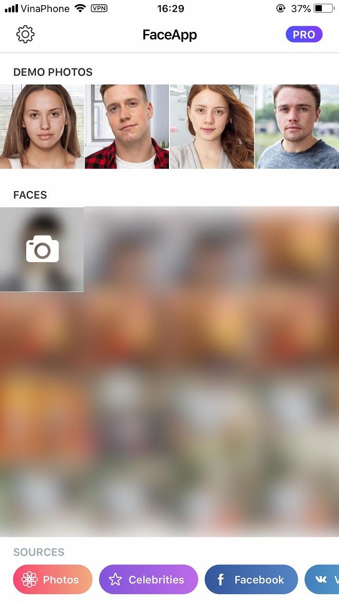 Biến khuôn mặt già đi