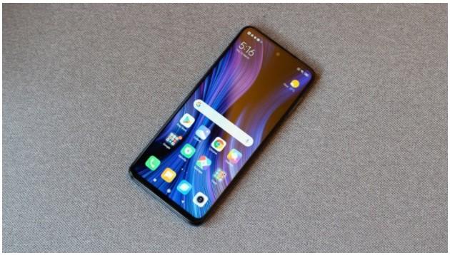 Redmi Note 9 Pro được trang bị màn hình Full HD+ với kích thước lớn cho người dùng trải nghiệm màn hình tốt hơn